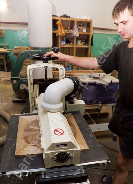 Pose des plinthes d un parquet flottant devis et travaux for Pose d un parquet flottant sur moquette